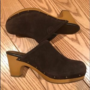 AEO Suede wooden clogs. EXC size 7